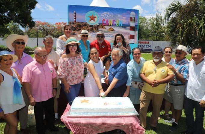 """Con el """"Picnic más grande de Cancún"""" celebran el 49 aniversario de fundación de la ciudad"""