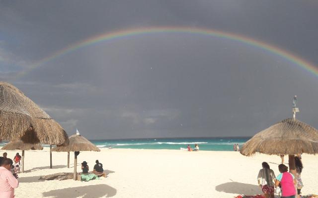 Playa Delfines, el gran mirador de Cancún, ideal para esta Semana Santa