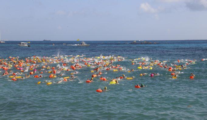 El Cruce 2019, con la participación de 750 nadadores de Cancún a Isla Mujeres