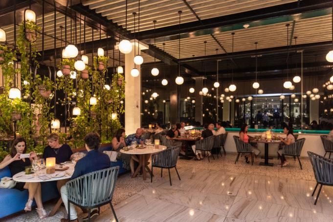 Noche inspirada en el arte, vino y gastronomía en Grand Hyatt